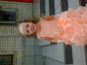 продам платье на девочьку 5-6 лет